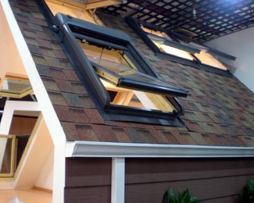 斜面屋顶天窗